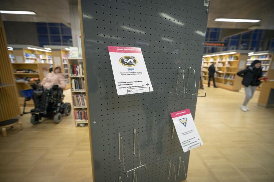 Alueellisen kirjastopalvelupäällikön Minna Männikön mukaan kausikorteista on lainattu eniten Oulun teatterin, Oulu Sinfonian ja Flow Sirkuksen kausikortteja.