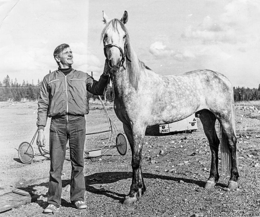 1974: Tom Scovere ja Seppo Savaloja Kittilästä.