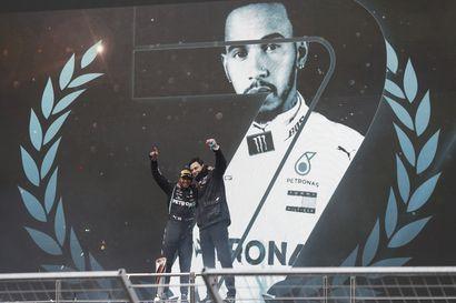 """Mercedes-pomo Lewis Hamiltonin sopimuksesta: """"Siitä tuli äsken todella paljon kalliimpi"""""""