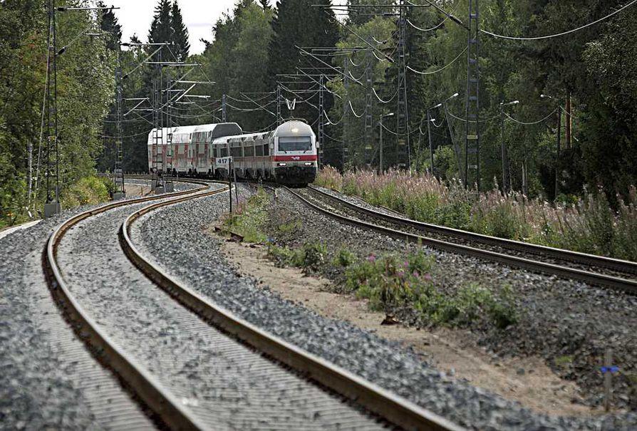 Halvimmillaan lähijunat saataisiin konsulttiyhtiön mukaan liikkeelle 36 miljoonalla eurolla.