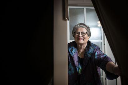 Riitta Uosukainen kirjoitti 24 vuotta sitten intohimoisesta avioliitostaan Topi Uosukaisen kanssa – Kertoo nyt, millaista on olla Alzheimeria sairastavan puolison omaishoitajana