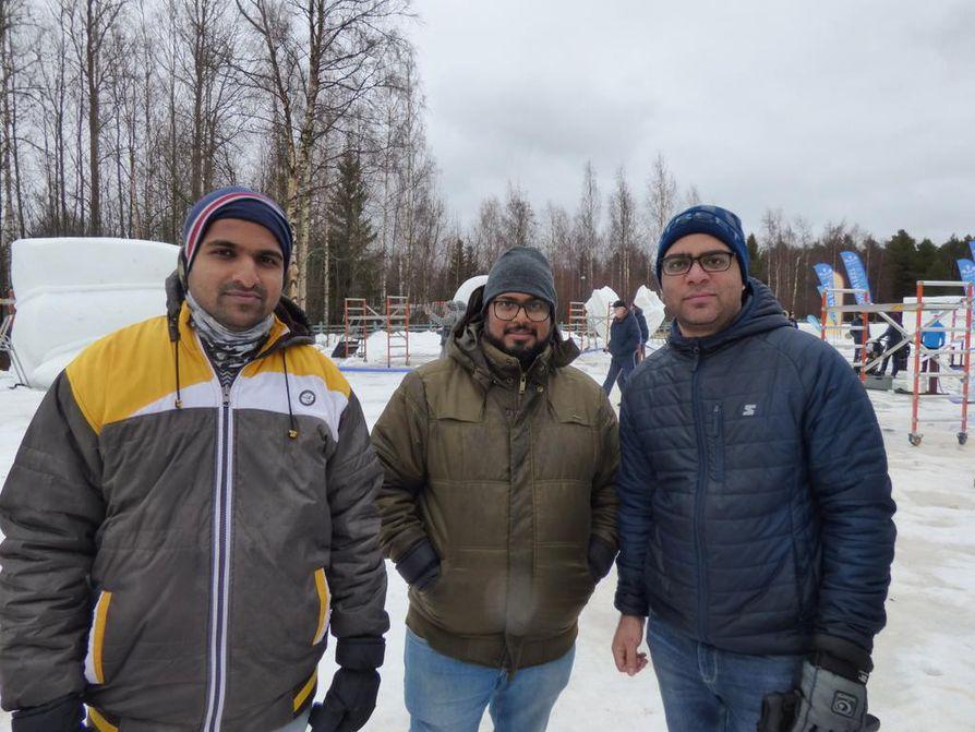 Tushar Mali (vas.), Rajesh Meti ja Umeshchandra Joshi Intiasta paikasta Pune, Maharahstra.