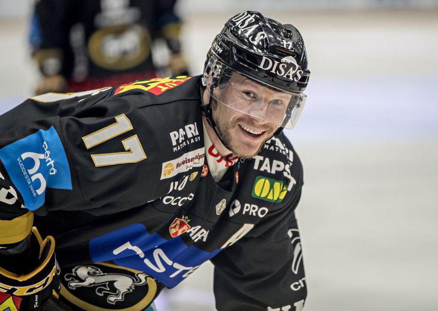 Mika Pyörälä oli yksi Kärppien onnistujista lauantain pelissä.