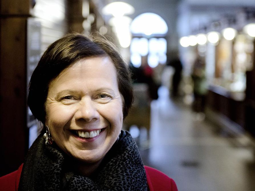 Suomalais-Venäläisen kauppakamarin toimitusjohtaja Jaana Rekolainen sanoo, että ruplan kurssi nousu vaikuttaa Suomen Venäjän vientiin enemmän kuin pakotteet.