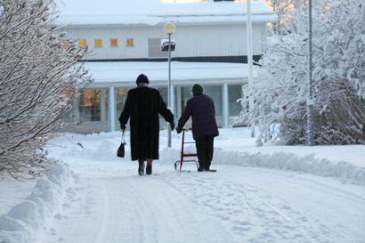 Posti tuo palvelun ikääntyneille ulkoilun tueksi – ulkoilukaveri auttaa ja pitää seuraa