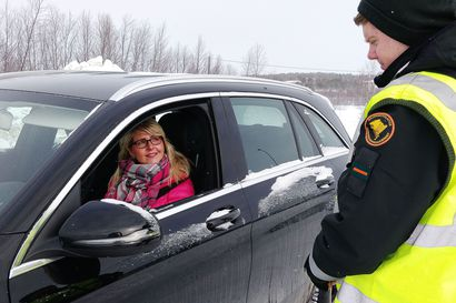 Hallitus kertoo aamulla rajaliikenteen uusista linjauksista, noin 2000 henkeä ylitti länsirajan Tornion pohjoispuolella viikonlopun aikana