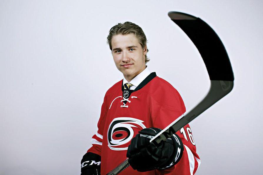 19-vuotias Janne Kuokkanen raivasi monien yllätykseksi tiensä NHL-seura Carolina Hurricanesin kokoonpanoon. Oulunsalon kasvatti on suurelle suomalaisyleisölle vielä toistaiseksi tuntematon pelaaja.