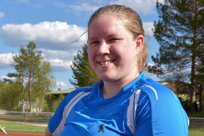 Tytti Oikarainen ylitti 60 metriä – Pohjois-Pohjanmaan piirinmestaruudet ratkottiin 12 heittäjin voimin kiekossa ja moukarissa