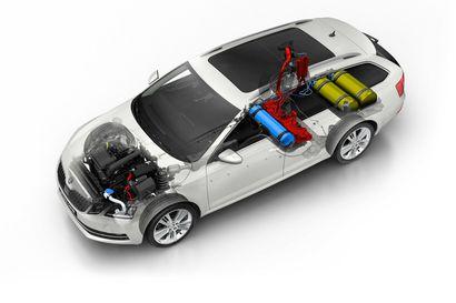 Analyysi: EU:n vanhentunut kanta kaasuautoilun päästöihin voi suunnata valmistusta sähköautoihin – Suomen tavoitteelta lisätä biokaasun liikennekäyttöä putoaisi pohja