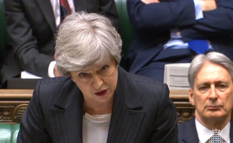 Pääministeri Theresa May eroaa konservatiivipuolueen johdosta.