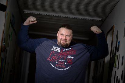"""Törrö kasvoi vankilassa Suomen vahvimmaksi: """"Sen näki, mihin se räpeltäminen johti, kun oli 11 vuotta vankilassa ja koko ajan sekaisin"""""""