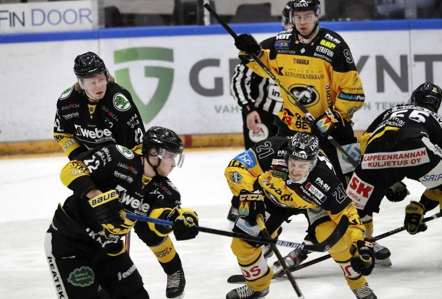 Kärpät otti lauantaina Raksilassa helpon voiton SaiPasta.
