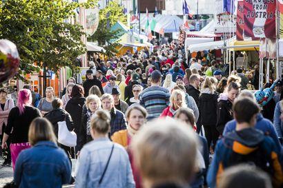 Suurmarkkinat keräsivät yli 65000 kävijää Rovaniemellä – epävakainen sää vaikutti markkinoihin