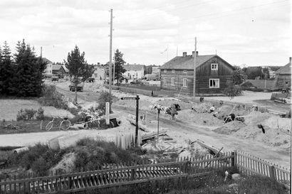 60 vuotta sitten Kitkantie oli remontin kourissa, niin kuin nytkin – silloin sille rakennettiin ensimmäisiä jalkakäytäviä