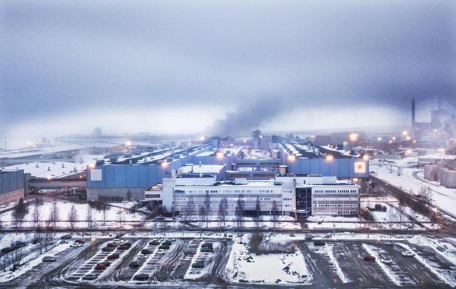 Oulu oli 2000-luvun alussa toinen johtavista paperitehdaspaikkakunnista yhdessä Rauman kanssa.