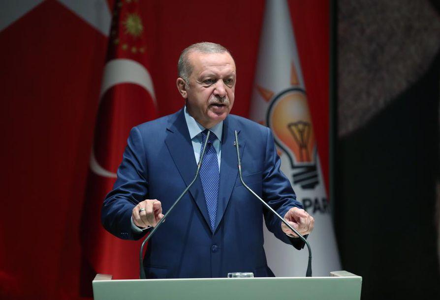 Turkin presidentti Recep Tayyip Erdogan saa seuraaviin vaaleihin haastajan entisestä liittolaisestaan.