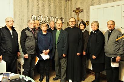 Ekumeeniseen rukoushetkeen kokoontui kuuden seurakunnan väkeä