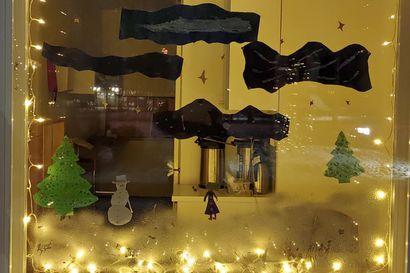Jouluikkunatempauksesta iloa vielä joulun jälkeenkin – parhaasta ikkunasta palkittiin ja kaikki oppilaat saivat jäätelöt