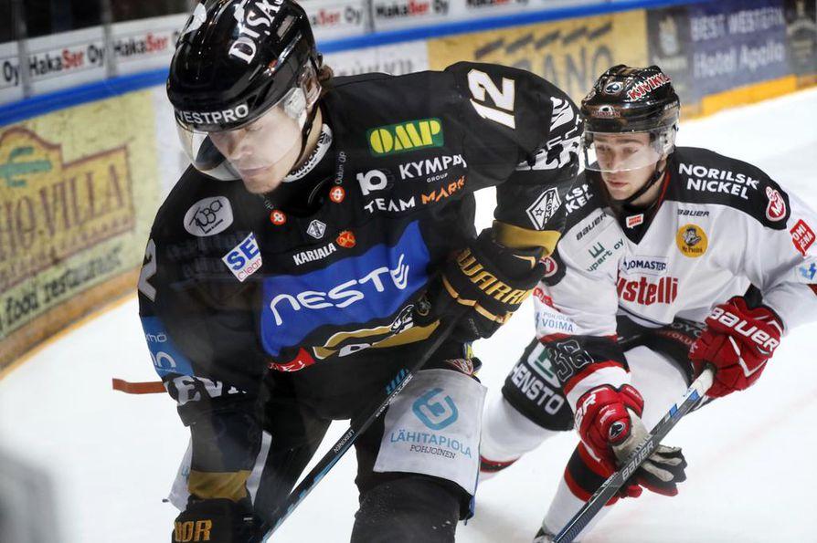 Ville Leskinen pyrkii tekemään tuhojaan myös Ässiä vastaan.