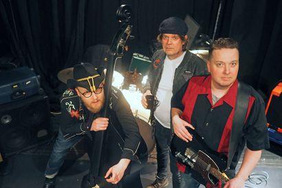 Boogie woogie -versioita rock'n'roll-klassikoista tekevä oululainen Benson Boogie Band soittaa hymyn huulille