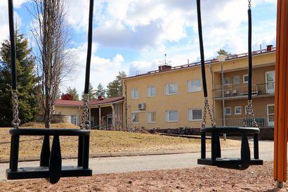 Vastaanottokeskuksen lakkauttaminen käänsi Pudasjärven asukasmäärän jyrkkään laskuun – ennakkoväkiluvut: Pudasjärvi 7767 - Taivalkoski 3923
