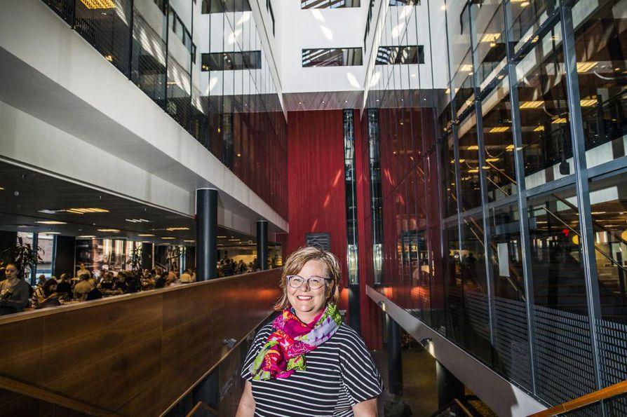 Akatemiatutkija Mia Tammelinin johtamassa Työelämän tutkimuskeskuksessa tehdään sekä tieteellistä perustutkimusta että soveltavaa tutkimusta.