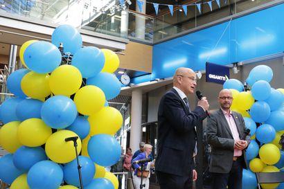 Kauppakeskuksessa iloittiin pienestä askeleesta Torniossa  –Rajayhteisön alue olisi saanut olla isompi