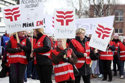 Tehyn ja SuPerin Länsi-Pohjan alueen ammattiosastot tuomittiin maksamaan hyvityssakkoa työrauhavelvoitteen rikkomisesta kevään ulosmarssissa
