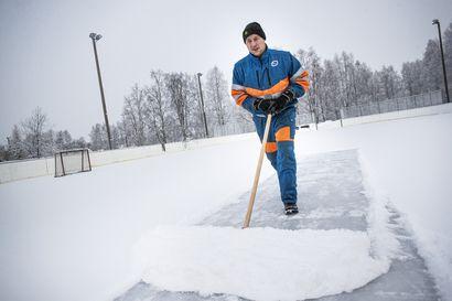 Oikaraisen kenttä jäätyi talkoovoimin – Kaupunki säästi 5 500 euroa lopettamalla ylläpidon