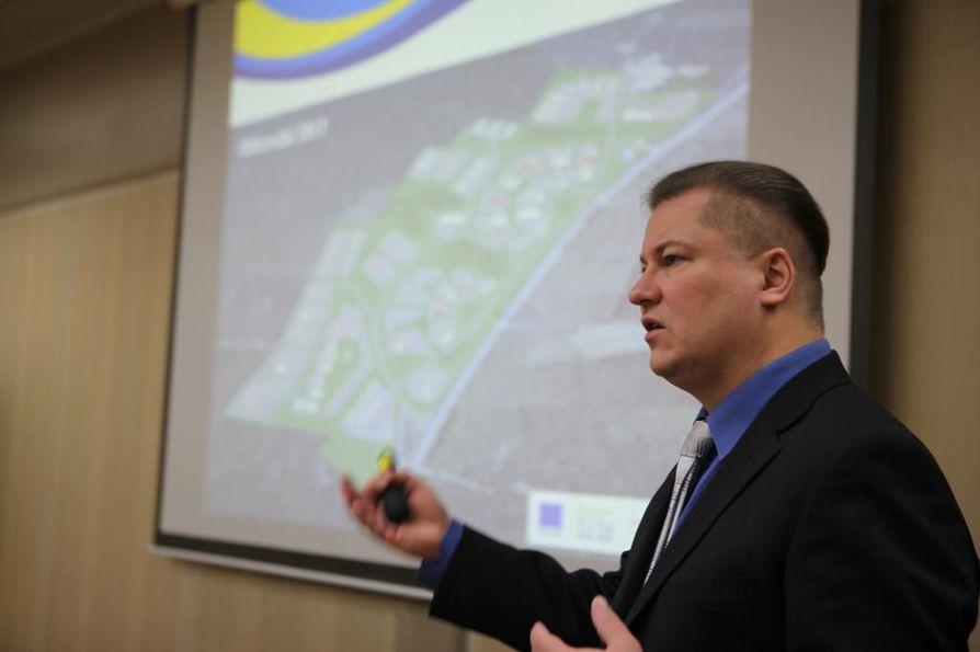 –Tämä on pieni uusi tilanne, mutta hanke jatkuu. YIT:n ratkaisu tarkoittaa, että Pyhäjokitalon rakentaja vaihtuu, toteaa Pyhäjoen kunnanjohtaja Soronen.