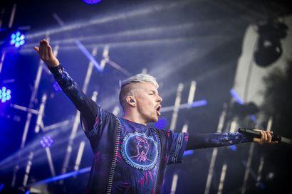 Antti Tuisku tekee paluun lavalle tänä kesänä koronasta huolimatta – Valittu kansa kuullaan ensimmäistä kertaa livenä nettikeikalla