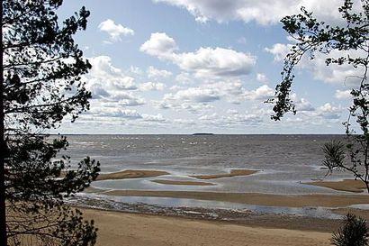 Veneilijöille ja retkeilijöille tulossa jätelajittelupisteitä Oulujärven vilkkaimpiin satamiin