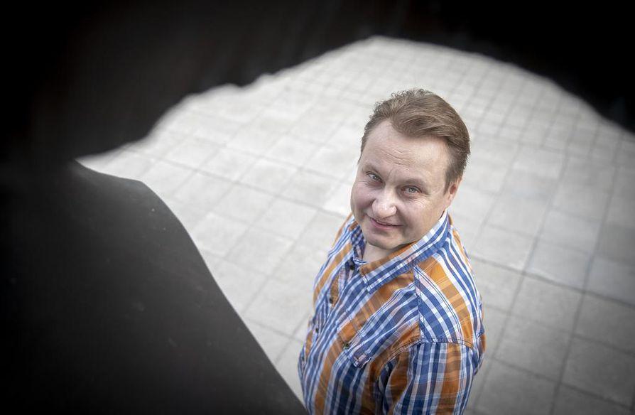 VTT:n erikoistutkija Jukka Kääriäinen sanoo, että tekoälyn avulla voitaisiin löytää esimerkiksi mahdollisia väärinkäytöksiä.