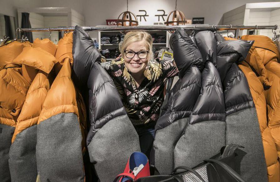 Ragsin Eveliina Ojala on kiitollinen liikkeen kanta-asakkaille, jotka auttavat yritystä pysymään pystyssä.