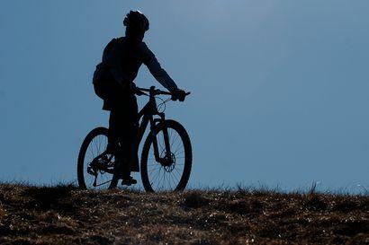 Posiolle suunnitteilla maastopyöräilyreittejä –Hankkeessa tuotteistetaan Livojärven Hirsiniemen alueen ulkoilureittejä pyöräilylle ja selvitetään alamäkipyöräilyn mahdollisuuksia