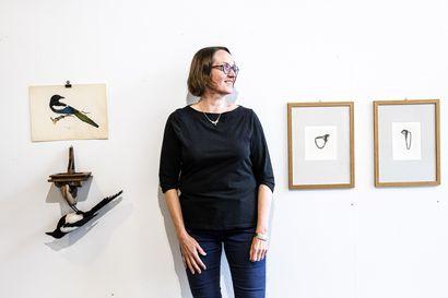 Wihurin rahaston vierailevan taiteilijan näyttely on viimeinkin esillä: Naapuruston tarkkailija piirtää lintuja