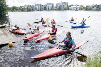 Harrastemelonta elää Oulussa vahvaa nousukautta, mutta kanoottipujottelu on uhanalaisessa asemassa – kiiminkiläinen Iisa Mäenpää on tällä hetkellä Suomen ainoa kansainvälisen tason pujottelija