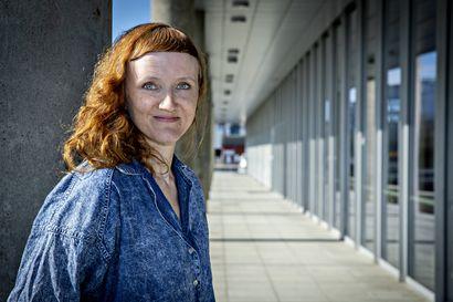 """Oulun teatteri valmistautuu syksyn uusiin kantaesityksiin – Alma Lehmuskallio: """"Tiedän ja tunnen, että meidänkin toiminnalle on ihan mieletön kaipuu"""""""