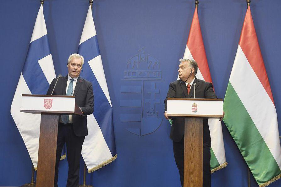 Pääministeri Antti Rinne ja Unkarin pääministeri Viktor Orban pitivät yhteisen tiedotustilaisuuden Unkarissa 30. syyskuuta.