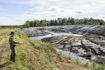 """Viisi uutta koskea ja mutkitteleva puropätkä saarineen – ensimmäinen Vuotunkiin tänä kesänä tehtävästä uudesta kosteikosta on jo valmis: """"Vesi puhdistuu ravinteista ennen kuin se valuu Vuotunkijärveen"""""""