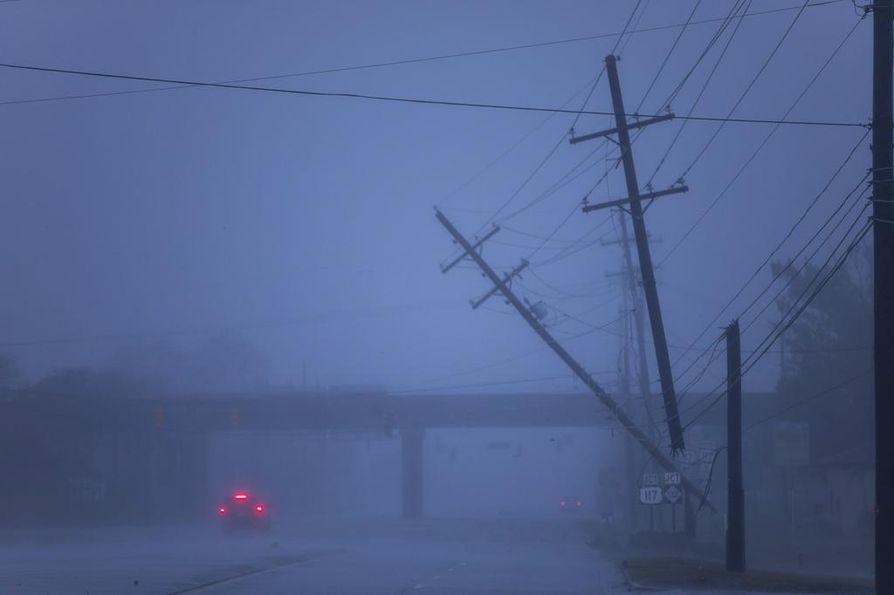 Florence-hurrikaani iski voimalla rannikkokaupunki Wilmingtonin Pohjois-Carolinassa.