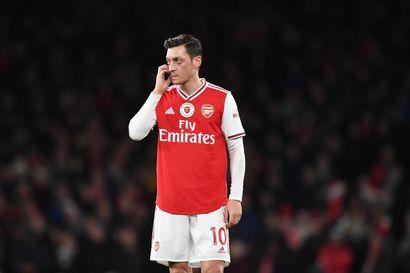Kiinan Özil-raivo jatkuu, pelaaja poistettiin suositusta jalkapallopelistä