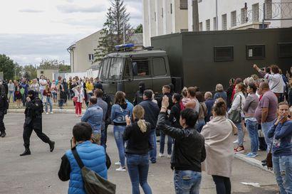 Analyysi: Valko-Venäjä yrittää hallita pelolla – 7000 ihmistä on pidätetty, heitä kidutetaan ja pidetään nälässä