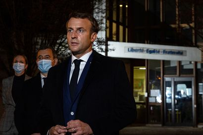 """Ranskassa yhdeksän ihmistä on pidätetty opettajan raakaan surmaan liittyen – presidentti Macron kuvaili hyökkäystä """"islamistiseksi"""