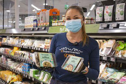 Vegaanituotteet kuuluvat yhä useamman sekasyöjän arkiruokiin – Arvaatko, mikä on K-Supermarket Pekurin maitohyllyn myydyin tuote?