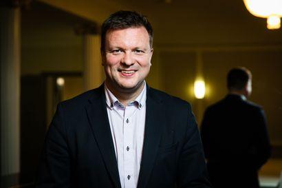 Sähkölentokoneet voivat pelastaa maakuntien kentät – Ulkomaankauppaministeri Skinnarin mukaan koneet liikenteessä ehkä jo vuonna 2025