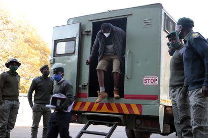 Zimbabwe vaientaa vastarintaa kovin ottein – pidätettyjä aktivisteja uhkaa jopa vuosikymmenen vankilatuomio