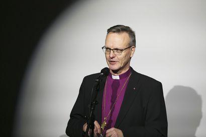 Arkkipiispa Tapio Luoma muistuttaa, että vaikka taloustilanne voi yhdistää seurakuntia, ei paikallinen toiminta saa hävitä – lue mitä arkkipiispa vastaa lukijoiden kysymyksiin tieteestä, vanhoillislestadiolaisuudesta ja kirkon keulakuvan roolista