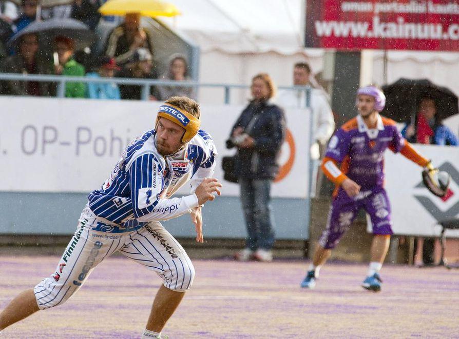 Sami Haapakoski vaihtaa Vimpelin sinivalkoiset värit PattU:n edustusasuun.