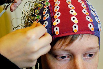 Tutkimus: Luonnollisen puheen vaihtelu haastaa lukivaikeudesta kärsivän aivoja